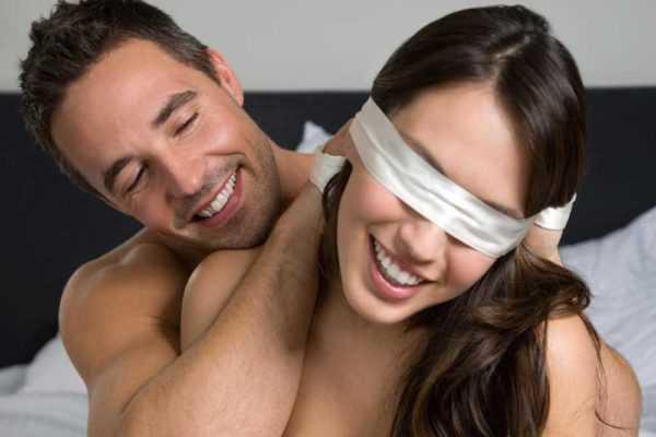 Fare l'amore ad occhi chiusi o ad occhi aperti?